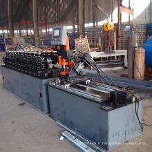 Goujon en métal de cloison sèche et rouleau de voie formant la machine