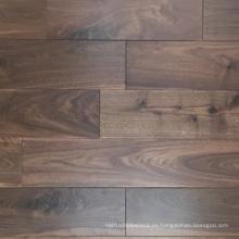 Suelos de madera maciza de nogal estadounidense seleccionados