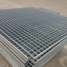 решетка из горячеоцинкованной стали