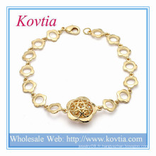 L'or indien kada conçoit un bracelet en fil de chaîne en fleurs en or plaqué or