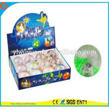 Los juguetes del juguete 65mm del juguete caliente de la venta que destellan se encienden la bola hinchable del agua de Light-up