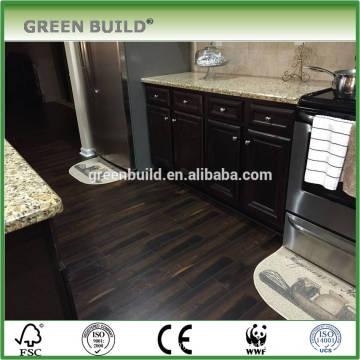 Plancher en bois laminé à la main noir