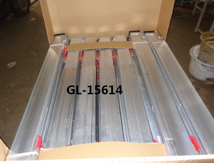 Cargo Load Bars for Pickup Trucks