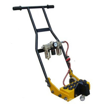 Reciprocating piston pneumatic deck scaler