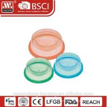 Plastic round pet feeder