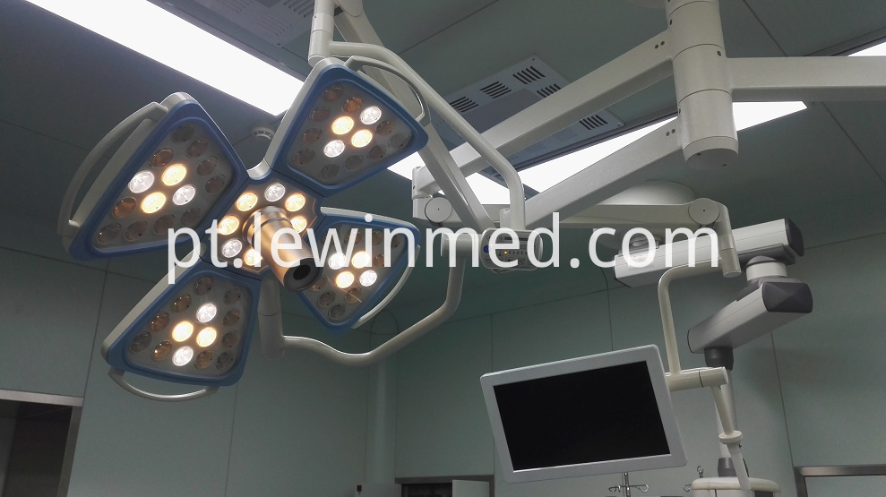 Surgical Lamp With Camera 1