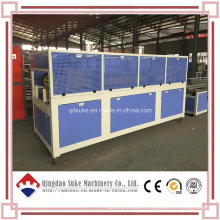 Chaîne de production d'extrusion de panneau de mur de décoration de PVC