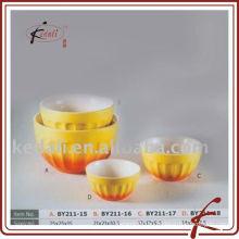 Фарфоровая чаша в желтом цвете