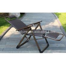 Chaise en rotin arrière haut de dos / chaise de Lay de rotin de capacité de poids / plier la chaise d'accoudoir avec l'oreiller et l'accoudoir