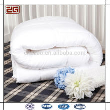 220GSM Duck Down Filling Bequemes Weiß Hotel Duvets / Quilts