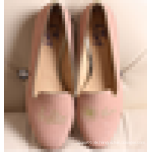 Niedriger Preis Großhandelsdame-Art- und Weiseschuh 2016 Frauen-Stickerei-Loafer-Schuhe