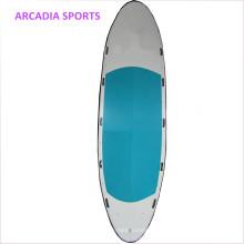 Le conseil gonflable géant gonflable d'équipe de panneau de sup tiennent la planche de surf