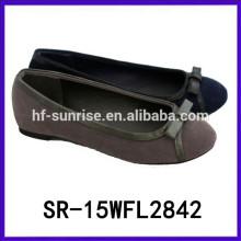 Las muchachas con estilo vendedoras calientes del zapato encantador 2015 usan desgaste plano del niño del zapato de las muchachas
