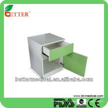 Стационарный прикроватный шкаф с выдвижным ящиком и дверью