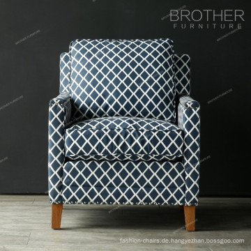 Modernes Einzel Sofa aus Holzrahmen mit Armlehne