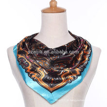 Cachecol de seda da senhora do cetim do quadrado do poliester da forma floral da forma
