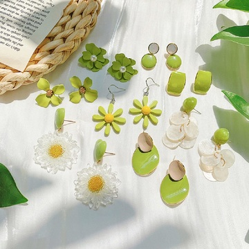 Серьги-гвоздики с зеленым цветком авокадо, свежие милые летние серьги, ювелирные изделия, креативный дизайн, женские акриловые серьги, подарки