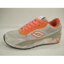 Zapatillas deportivas brillantes de estilo joven de las mujeres