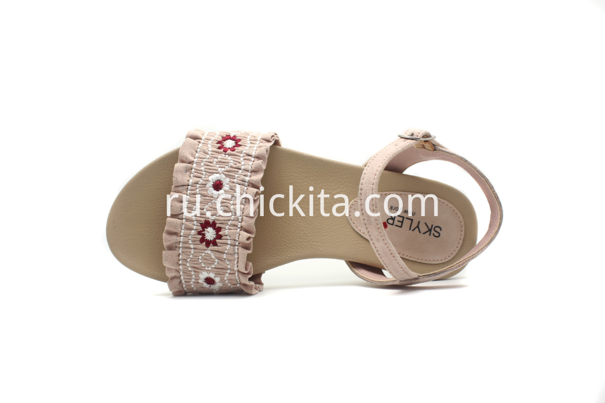 Girls Sandals With fantastic Embroidery fold designs