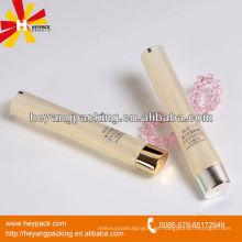 Schöne und luxuriöse Kosmetikbehälter