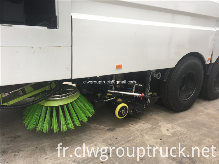 Pavement Cleaning Truck6