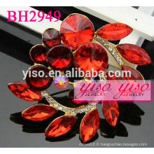 Broches en strass rouge