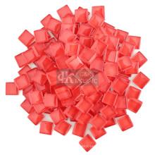 Большая часть красных стеклянных изделий для принадлежностей для мозаики