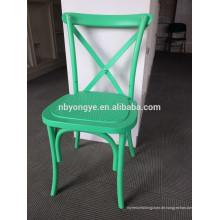 Stapelnder Cross-Back-Stuhl