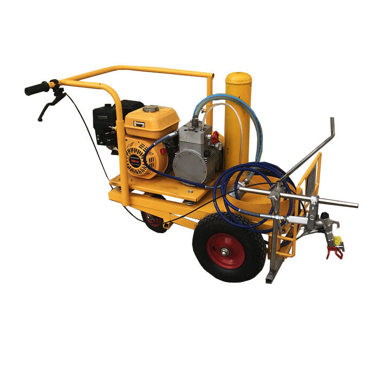 airless spray road line making machine