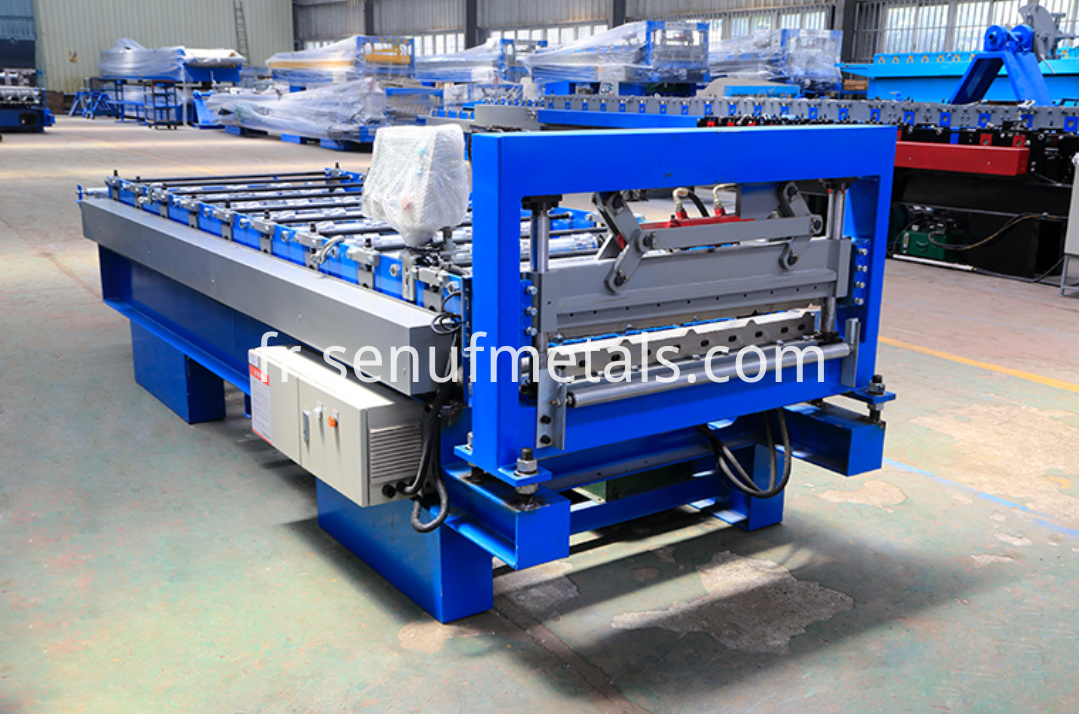 15-225-900 IBR roof sheet forming machine (1)
