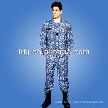 ropa militar de moda