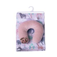 Reiseset aus weicher Babydecke und U-Ausschnitt-Kissen