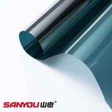 Proteção e proteção para janela externa com película verde