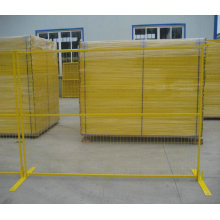 PVC beschichteter temporärer Zaun mit 75X100mm Maschenloch und gelber Farbe für Kanada