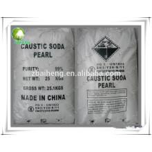 Hojuelas y perlas hidróxido de sodio soda cáustica.