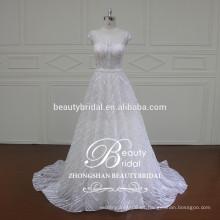 Mayorista de la fábrica Alibaba Fancy nupcial de lujo A - alinee el vestido de boda con la manga del casquillo