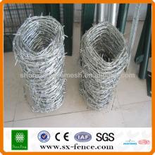 Alibaba A venda quente galvanizou o fio torcido da cerca / o arame farpado do aço inoxidável / o arame farpado da lâmina