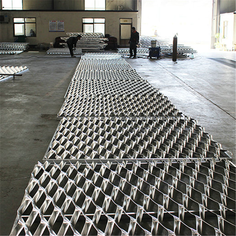 Expanded Metal Mesh 032