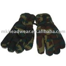 Ski gloves with camouflage printing
