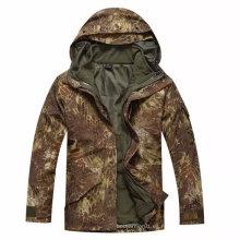 Parka frío militar del tiempo con el interior de la chaqueta del paño grueso y suave