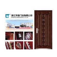 Porta blindada de madeira clássica para interior