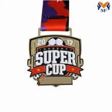 Medalhas da copa de futebol em jogo de futebol personalizado