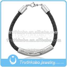 Le bracelet en cuir des hommes classiques est le plus récent des bijoux Memorialize personnalisés avec le bracelet pendentif de crémation