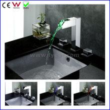 China Golpecito de cobre amarillo del lavabo de la alta calidad LED de la manija (FD15110F)