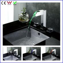Torneira de bacia de LED de latão duplo de alta qualidade China (FD15110F)