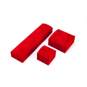 Joyero de terciopelo rojo
