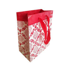 Low Cost Machine Made Art Paper Bags With laminated material White Kraft Paper Bag China For Gift Box Packaging
