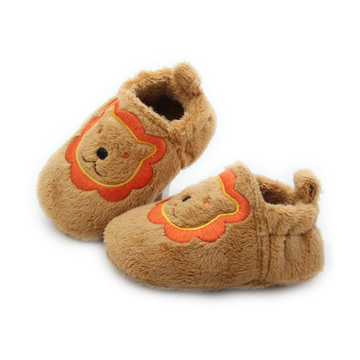 Quanlity Lion Pattern Plush Baby Chaussures