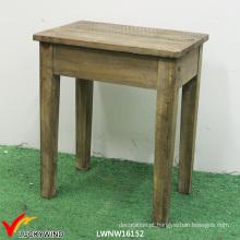 Cadeira de jantar de madeira francesa clássica do vintage