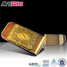 Los hombres de alta calidad de los artes del metal modifican el clip del dinero de la moneda
